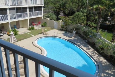 RENTED – $1700 per month Holmes Beach Town Home, 2 bedroom, 2 bath